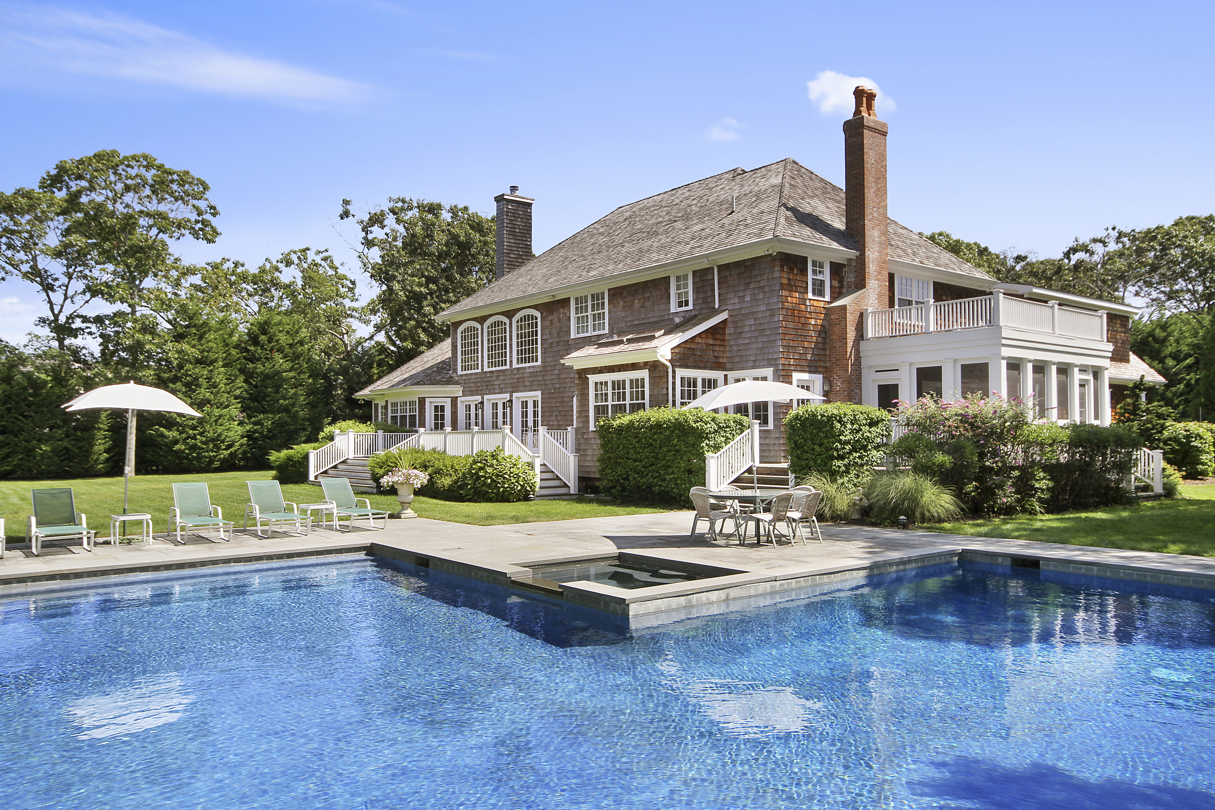 Luxury in the Heart of the Quogue