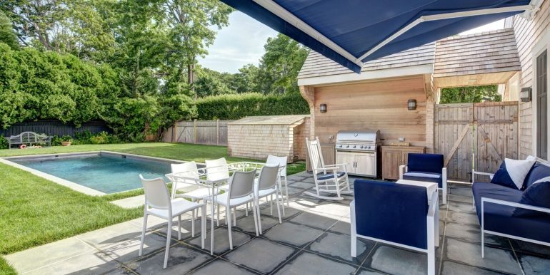 111 Toylsome Ln Southampton_Patio