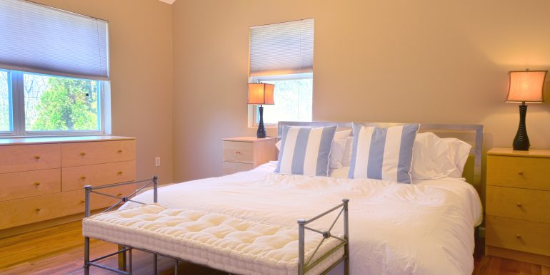 4ParkSt-GuestBedroom1